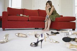 Как разносить обувь, которая жмет?