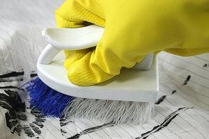 Чем можно оттереть краску с одежды