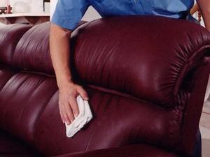 Уход за кожаной мебелью в домашних условиях