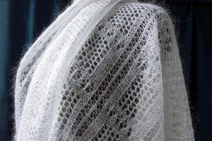 Как отбелить пуховой белый платок в домашних условиях?
