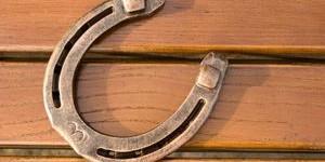Как вешать подкову в доме – несколько советов на удачу