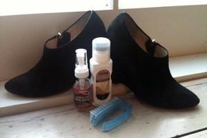 Как почистить замшевые туфли