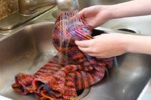 кaк связaть свитер клеш