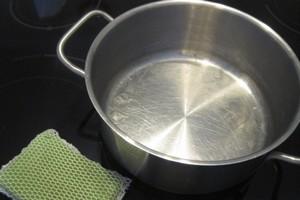 Как чистить эмалированные кастрюли