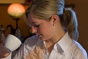 Как удалить пятно от чая