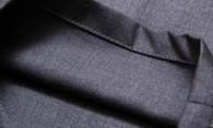 Как убрать блеск с брюк – какие средства наиболее эффективны?
