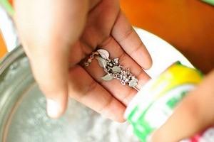 Как почистить серебро дома