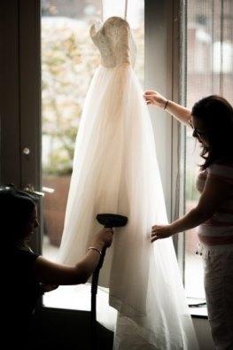 как гладить наряд невесты