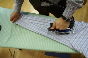 Как правильно гладить рукава рубашки