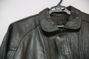 как разгладить кожу на куртке