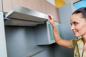 как почистить вытяжку над плитой