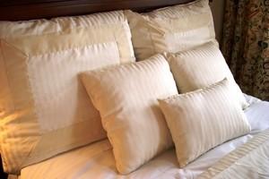 как стирать подушки