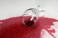 очищаем пятна вина