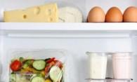 Чем мыть холодильник внутри от пятен и желтизны?