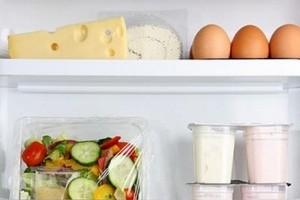 чем мыть холодильник внутри