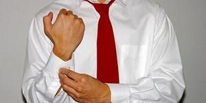 Как накрахмалить рубашку и вернуть ей первозданный вид?