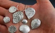 Как почистить серебряные украшения в домашних условиях на профессиональном уровне