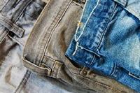 стирать джинсы