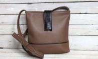 Как выпрямить сумку из кожзама с помощью подручных средств?