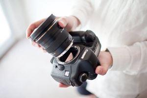 чистка объектива камеры