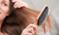 Как правильно почистить расческу для волос