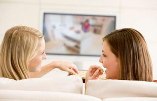 мытье экрана ТВ