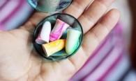 Как отмыть клей от этикетки со стекла или пластика