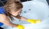 Как можно убрать царапины на акриловой ванне?