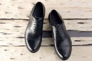 приклеить подошву обуви