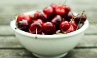 Чем вывести пятна от вишни, если нет пятновыводителя?