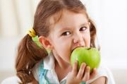 отстирать пятна от яблок