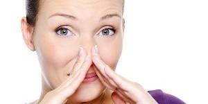 Как убрать запах нафталина с одежды: несколько проверенных способов