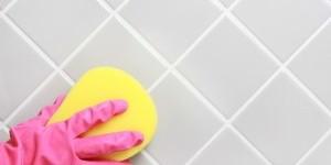 Как отмыть швы между кафельной плиткой в ванной?
