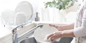 Чем помыть посуду без химии: натуральные рецепты чистоты
