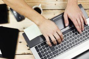 как очистить клавиатуру ноутбука