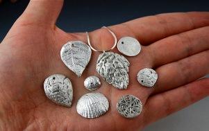 блестящее серебро