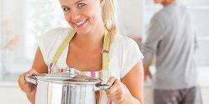 Как эффективно очистить подгоревшую кастрюлю?