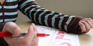 Как отстирать маркер с одежды: эффективные способы выведения пятен