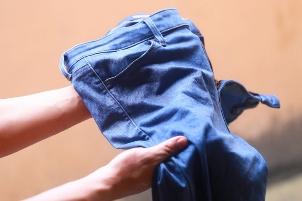 суперклей на джинсах