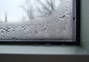 запотело окно