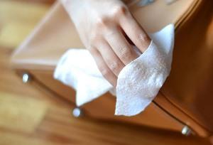 чистка сумки из кожзама