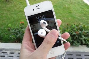 как чистить наушники от айфона