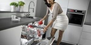 Запах из посудомоечной машины: как убрать неприятные ароматы?