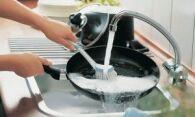Как почистить сковороду с деликатным антипригарным покрытием?