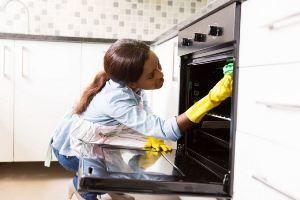 Духовки с функцией пиролитической очистки: за и против новой технологии