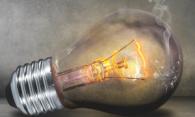 Почему часто перегорают лампочки в квартире и как это исправить?