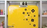Как убрать наклейку с дверцы холодильника: избавляемся от старых стикеров