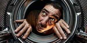 Под барабан стиральной машины попал предмет, устраняем неисправность