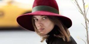 Как почистить фетровую шляпу: советы по регулярной и основательной чистке