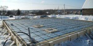 Можно ли заливать фундамент зимой – особенности работ
